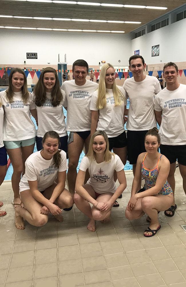 Úspěch studentek a studentů VŠE na 52. ročníku plavecké ligy pražských vysokých škol