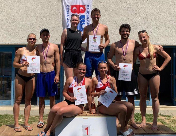 Beachvolejbalová reprezentace VŠE vybojovala skvělé výsledky na ČAH 2019